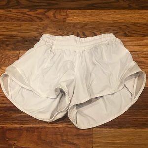 """Lululemon Hotty Hot Short 2.5"""""""